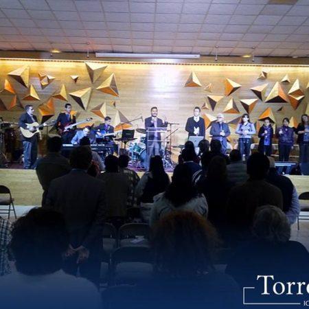 Domingo – Servicio de Adoración
